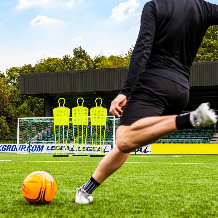 Football Free-Kick Mannequins