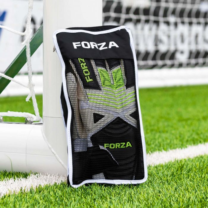 Football Goalkeeping Gloves With A Carry Bag